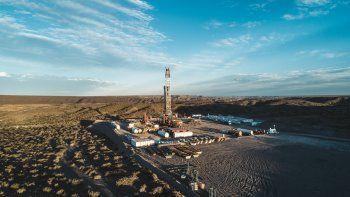 shell construira un oleoducto de mas de 100 kilometros en vaca muerta
