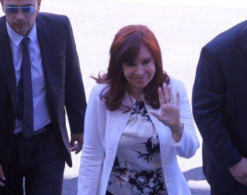 Cristina Fernández ingresó a las 9.39 a los tribunales federales de Comodoro Py.