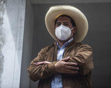El izquierdista Pedro Castillo lidera el recuento de votos en Perú.
