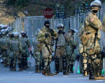 El fuerte despliegue tiene lugar luego del asalto al Capitolio ocurrido a principios de enero por parte de manifestantes proTrump.