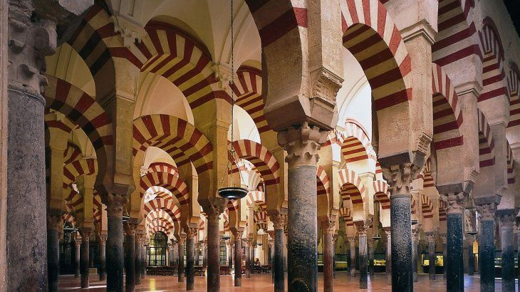 La mezquita Catedral es uno de los sitios más visitados de Córdoba.