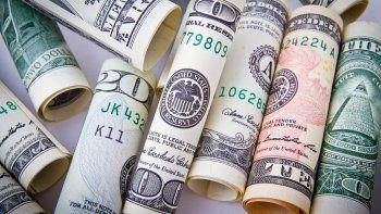 banco central compra, pero las reservas apenas crecen gracias a la depreciacion del dolar