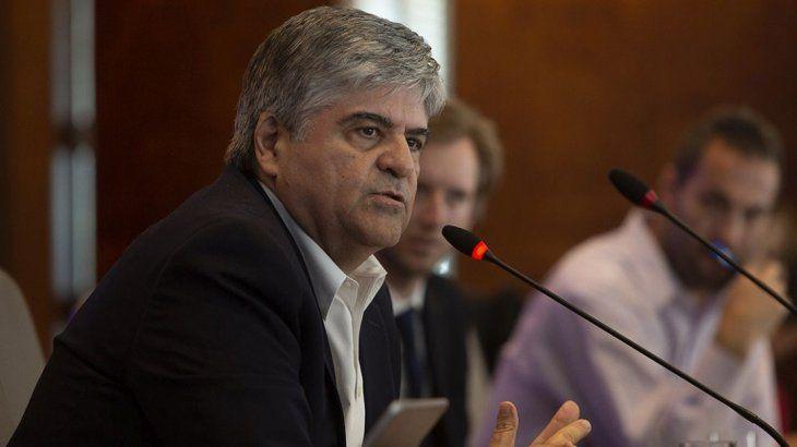 La petrolera YPF a cargo de Miguel Ángel Gutiérrez explicó que la extensión del congelamiento de precios con el dólar a $45