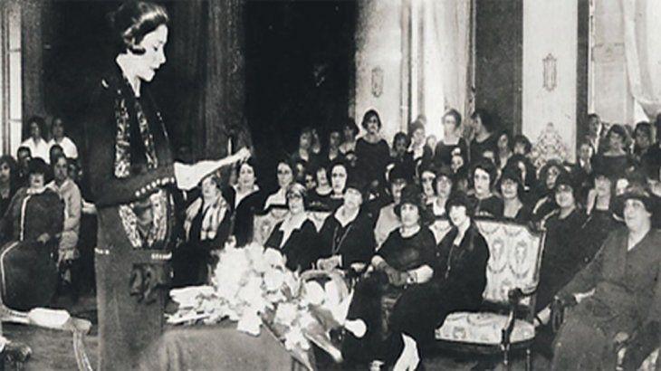 Alfonsina Storni: cuánta poesía murió, sin escribirse