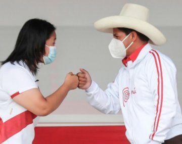 Keiko Fujimori redujo de forma considerable la distancia con Pedro Castillo de cara al balotaje del 6 de junio en Perú.