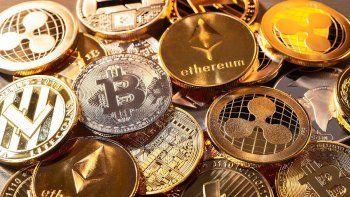 la fuerte advertencia del banco de inglaterra a quienes invierten en criptomonedas