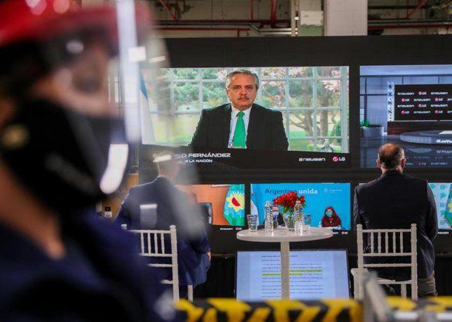 El presidente Alberto Fernández participó por videoconferencia de la inauguración de una nueva línea de producción de Grupo Newsan.