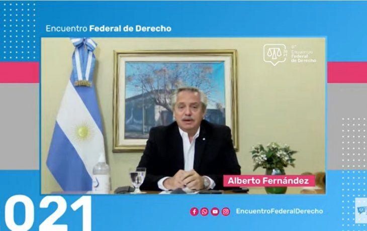 Alberto Fernández se metió en la polémica por la duración del mandato de los jueces