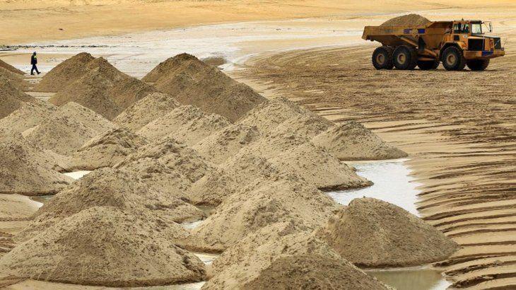 Para inversores: la arena, insumo olvidado, podría convertise en oro