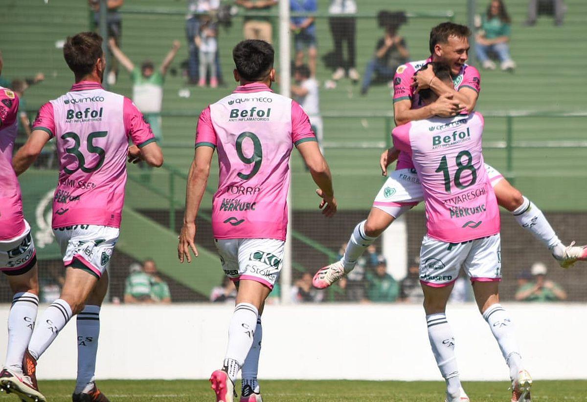 Sarmiento amargó el debut de Palermo en Aldosivi.