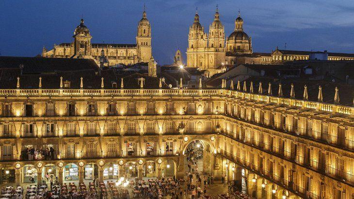La Plaza Mayor es el corazón de esta ciudad renacentista.