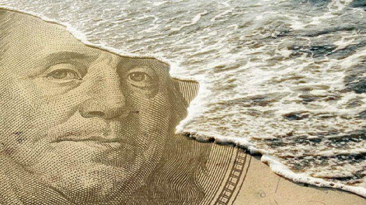 Para ahorristas: ¿Llegó el momento de dolarizarse?