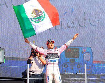 Sergio Checo Pérez asciende a uno de los equipos que le dará pelea a Mercedes en 2021.