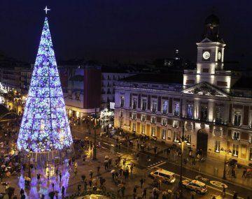 La Organización Panamericana de la Salud sugiere a los países reducir las reuniones masivas para las fiestas navideñas.