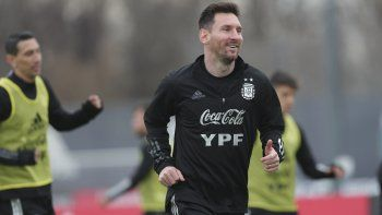 Sonríe el capitán. Lionel Messi y la selección argentina se preparan para un fin de semana decisivo