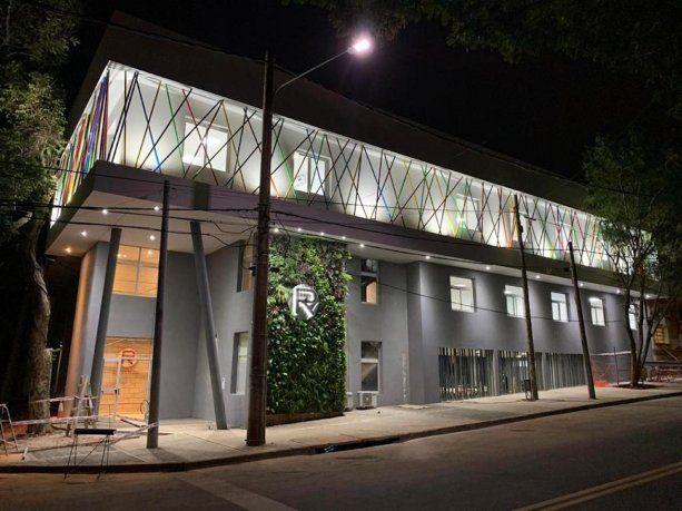 La fachada de la Escuela de Robótica de Misiones.