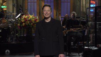 El empresario Elon Musk en su participación en Saturday Night Live.