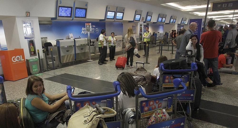 Gremios aeronáuticos lanzaron paro al inicio de las vacaciones de invierno: se verían perjudicados más de 80 mil pasajeros