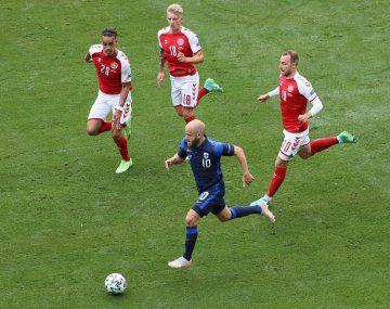 Finlandia le ganó a Dinamarca un partido dramático y desvirtuado.