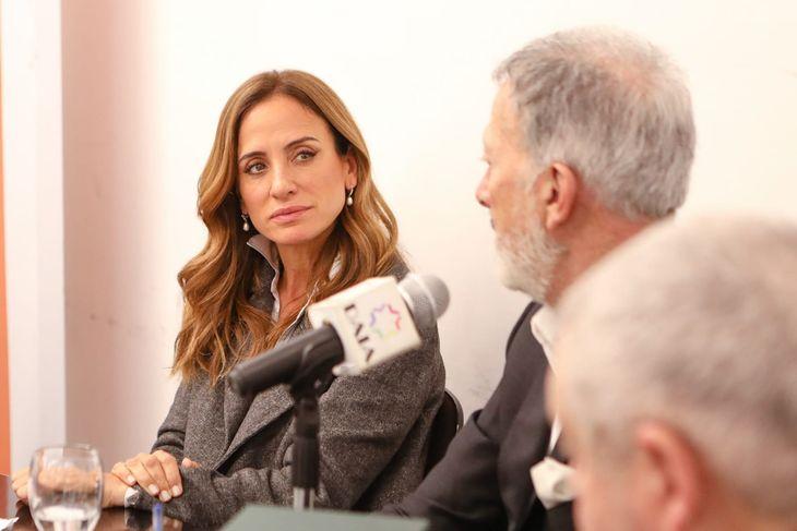 """Tolosa Paz: """"Estamos transitando la reconstrucción de la Argentina"""""""