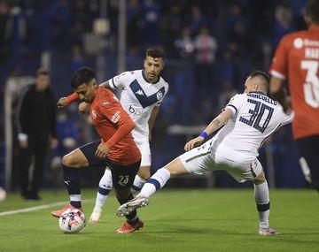 Vélez se llevó un empate ante Independiente en un final para el infarto