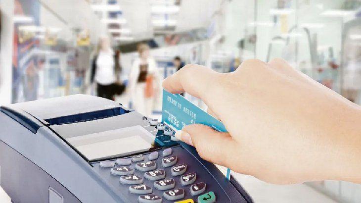 cobro-el-pago-tarjeta-credito-y-debito-escasea-algunos-comercios-pesar-su-obligatoriedad