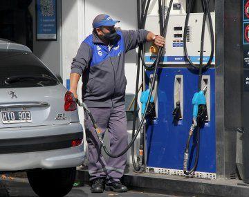 La inflación de abril fue impulsada por subas en naftas.