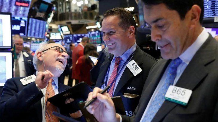 El Dow Jones y el S&P 500 alcanzaron nuevos récords históricos en Wall Street tras la noticia sobre la vacuna de Moderna.
