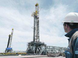 sin piquetes en la ruta del petroleo, las empresas normalizaban produccion