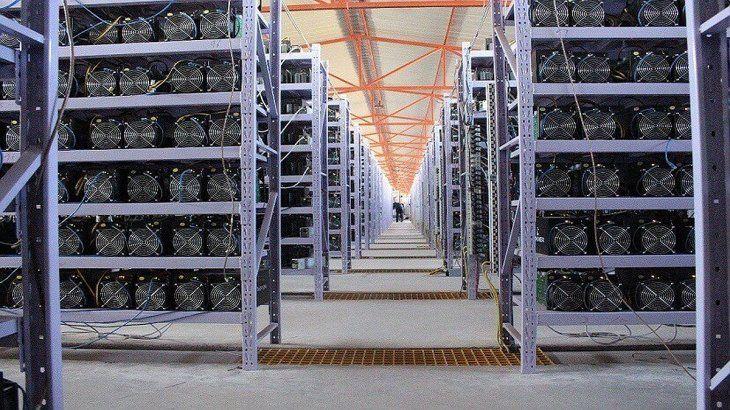 Los pools para minar bitcoins precisan de grandes cantidades de energía.