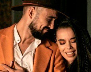 Abel Pintos editó El hechizo, junto a Beatriz Luengo.