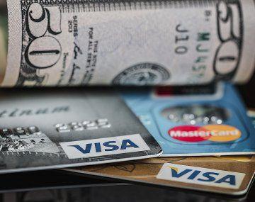 Cae el uso de tarjetas de crédito por falta de interés de los bancos