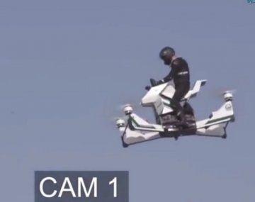Accidente con suerte: cayó con su aeromoto desde 30 metros pero resultó ileso