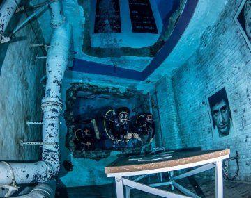 Inauguran en Dubái la piscina más profunda del mundo para bucear