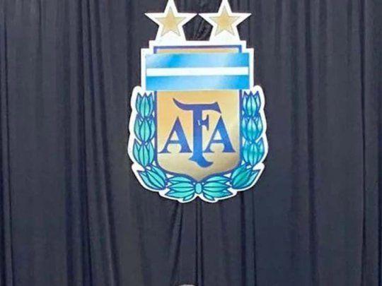 Denuncian a la AFA por no frenar el fútbol y propagar el Covid-19