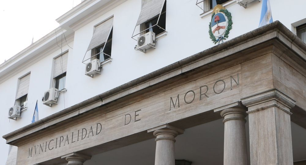 La municipalidad de Morón fue evacuado por una amenaza de bomba que ingresó por el 911