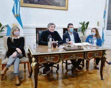 tridente. Máximo Kirchner, Sergio Massa y Cecilia Moreau comandaron ayer una reunión del bloque oficialista.