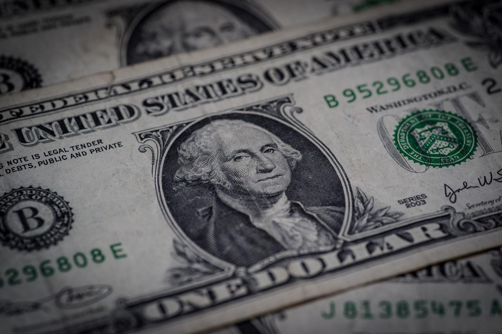 los dolares bursatiles regulados reaccionan al alza, despues de tres ruedas sin cambios