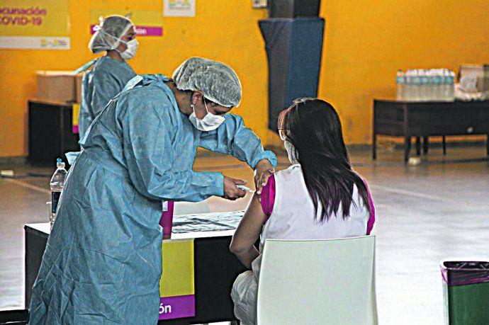 Más de 4 millones de personas en el país recibieron la primera dosis de las vacuna contra el Covid-19.