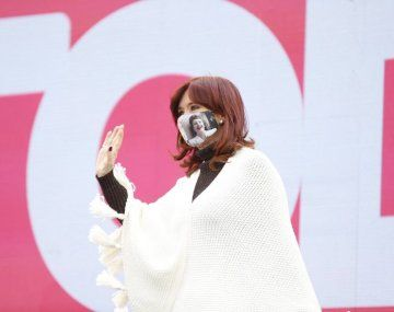 Cristina Kirchner: Es posible revertir las más profundas crisis y emerger.