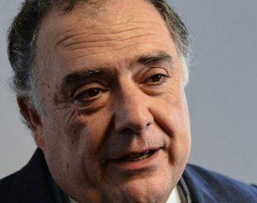 Eduardo Valdés justificó su vacunación con la Sputnik V.
