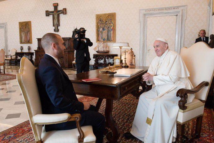El papa Francisco y Martín Guzmán.