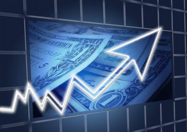 El dólar repuntó en el mundo tras tocar mínimos en casi tres años