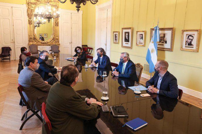 Medidas económicas y cambios de Gabinete: los debates hoy en los pasillos de Casa Rosada