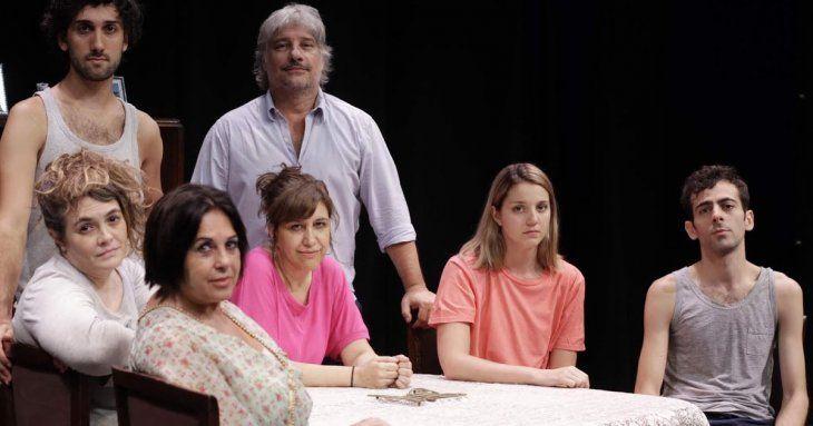 Disfuncional. Otra de las típicas familias que pueblan la dramaturgia argentina contemporánea.