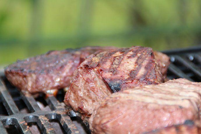 El Gobierno llegó a un acuerdo para que tres cortes de carne tengan un precio promedio más bajo que el del mercado.