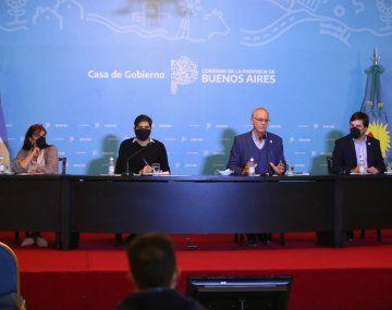 Teresa García, Carlos Bianco, Daniel Gollán y Nicolás Kreplak presentaron el nuevo sistems de resgistro de casos Covid-19.