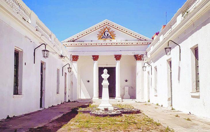 La historia poco conocida del templo masónico de San Nicolás