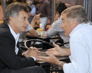 En febrero de 2017, el fiscal federal Juan Pedro Zoni imputó al entonces presidente Mauricio Macri y al ministro de Comunicaciones de la Nación, Oscar Aguad.