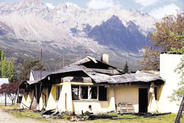 gestos. Como señal de acompañamiento, la Casa Rosada también anticipó que cubrirá el gasto para la reconstrucción del Club Andino atacado la semana pasada.